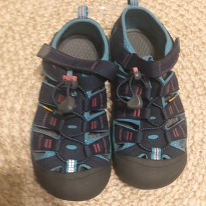 Keen NWT Girl's Shoes, Size 2